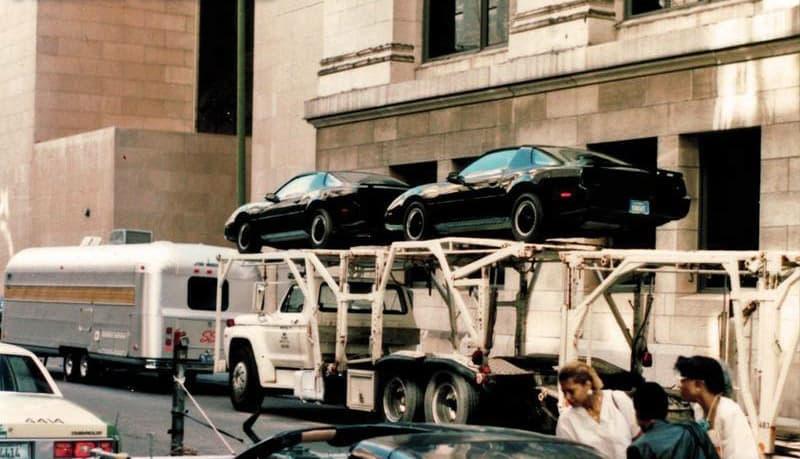 KITT Fahrzeuge auf Trailer bei den Dreharbeiten von Knight Rider